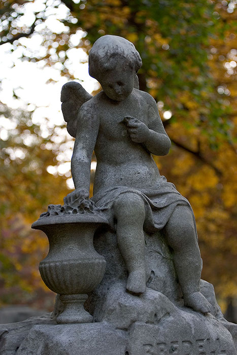 Cherub on Pedestal, Bellefontaine Cemetery, Saint Louis, MO //