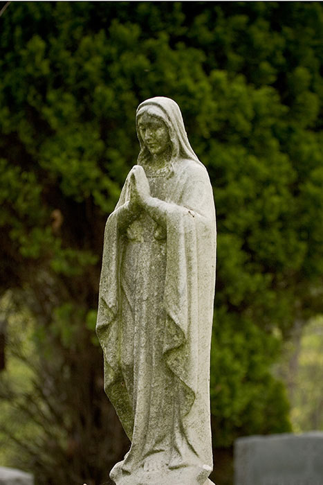 Praying Woman, Calvary Cemetery, Saint Louis, MO //